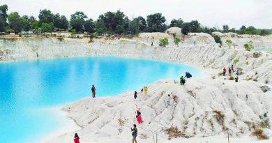 Keren Banget! 5 Danau Biru di Belitung