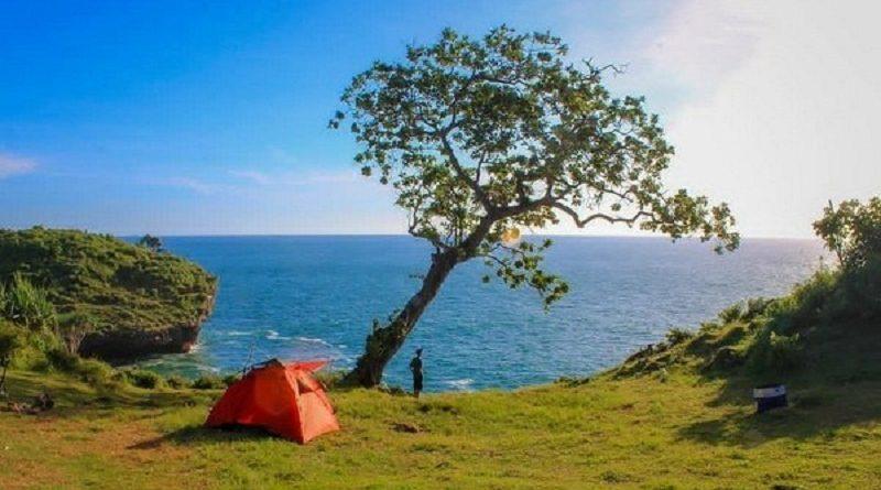 5 Tempat Berkemah Di Jogja Dengan Pemandangan Yang Indah Trippers Id