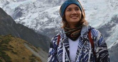 Nadine : Artis Petualang Alam